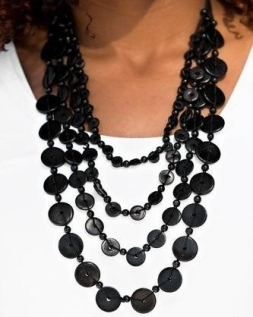 black-necklace-e1564669224364.jpg